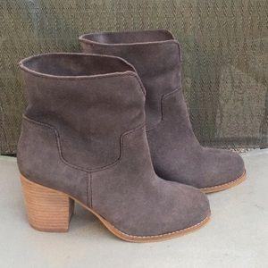 Splendid dark gray suede Murietta boots/booties